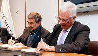 El Rector de la UNJu firm� Convenio de Financiaci�n con el CONICET