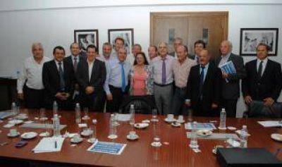 Precios Cuidados: De Vido se reunió con intendentes de la Sexta Sección
