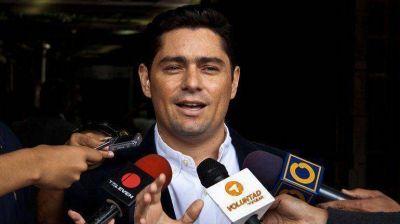 Voluntad Popular confirmó la orden de captura contra su coordinador nacional Carlos Vecchio