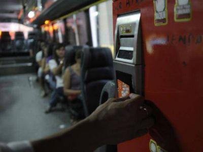 Mónica Fein propuso un boleto a 4,80 pesos aunque la oposición rechaza otro aumento
