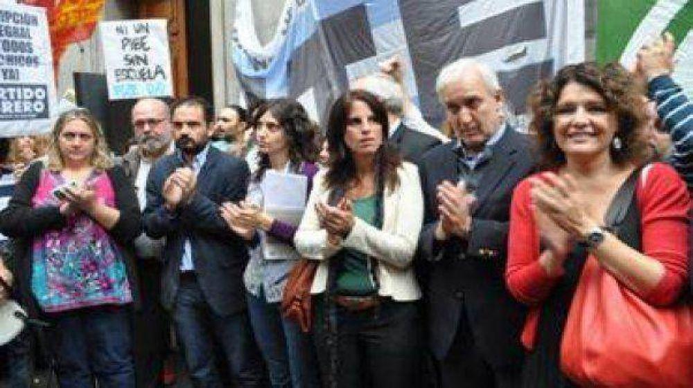 Malestar en gremios docentes por la postergación para el martes de la paritaria nacional