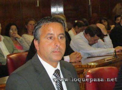 Azcona pedirá suspender por 180 días la ordenanza de Kioscos Saludables