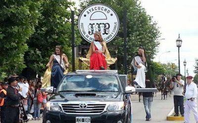 El desfile tradicional convocó y gustó