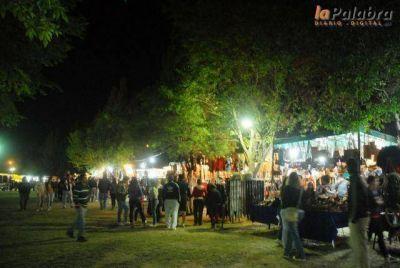 El folklore comenzó a ponerle música a la Fiesta de la Soberanía Patagónica