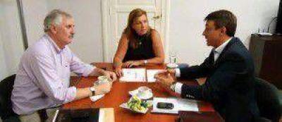Intendente de María Grande, Hugo Maín y el diputado Lara se reunieron con Alicia Benítez