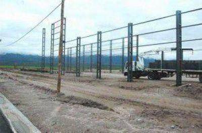 Avanza la construcción de la fábrica de vidrios como única en el NOA