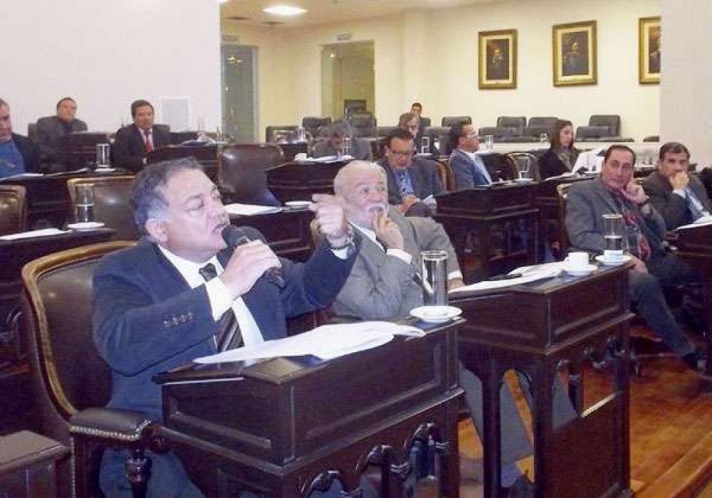 Legislatura: Se disuelve el Bloque Caudillos Federales y se unifican los diputados justicialistas