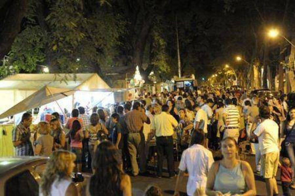 A divertirse, en la tradicional Festa in Piazza de los italianos