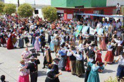 """""""LAS FIESTAS POPULARES SON DE LOS PUEBLOS"""""""