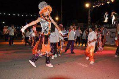 Rawson festejó el carnaval con ritmo y mucho color