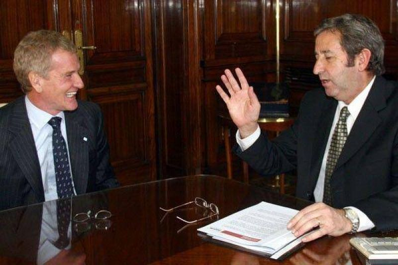 """El vicepresidente advirtió que De Narváez """"es víctima de una campaña"""""""