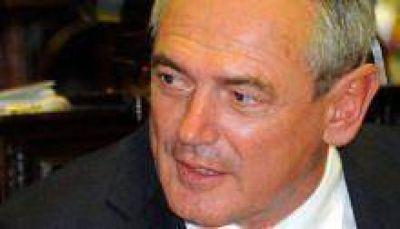 Benedetti reconocido en el Congreso