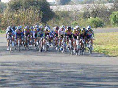Ciclismo: Podios entrerrianos en San Carlos y Paraná