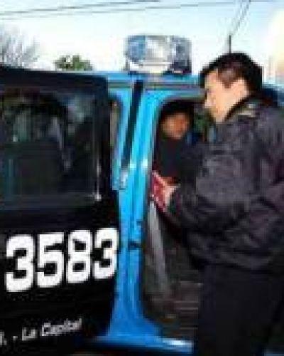 Cuatro policías detenidos por un crimen en Villa Gobernador Gálvez