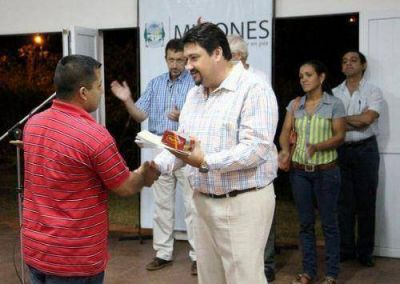 Closs inaugurar� obras escolares en Posadas y Azara