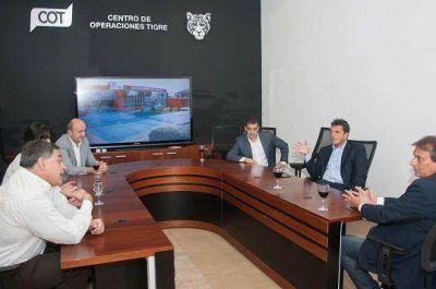 Sergio Massa recibió a ediles de Quilmes, Lanús y Moreno en el COT