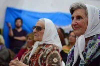 """Madres de Plaza de Mayo filial Alto Valle: """"Seguimos declarándonos libres de palabra y de acción"""""""