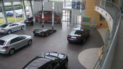 El Gobierno y las automotrices se reúnen para analizar el impuesto a los autos de alta gama