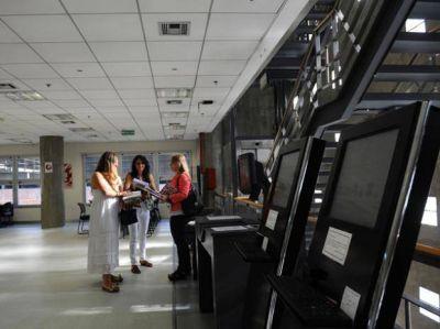 Tres bibliotecas de instituciones públicas de Rosario y sus experencias con soportes digitales