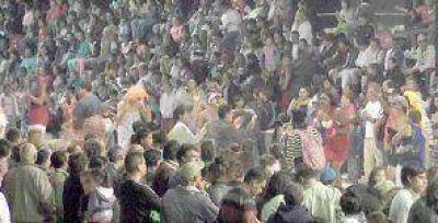 Una multitud en el cierre de los Corsos Barriales 2014
