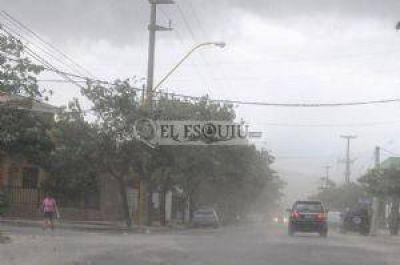 Un violento temporal de lluvia y granizo afectó al Valle Central