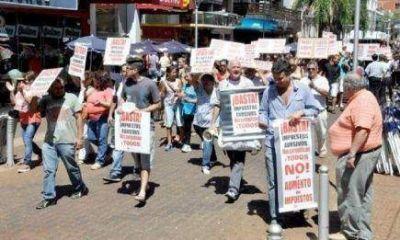Comerciantes insisten en la suspensión de los Impuestos de Closs