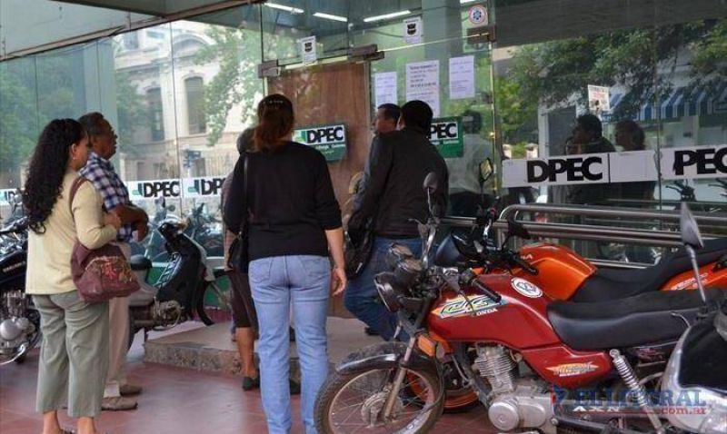 Pese al di�logo, persiste el conflicto con los trabajadores de la Dpec