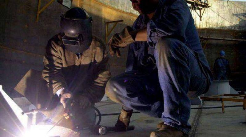 En un a�o, la metalurgia local perdi� 800 puestos de trabajo