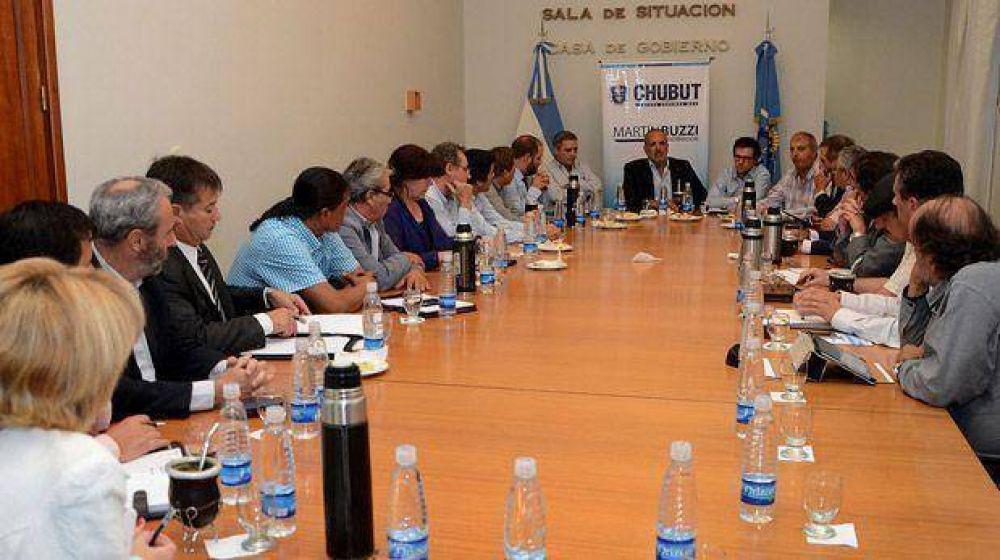 El gobernador instó a su Gabinete a reforzar políticas de inclusión juvenil