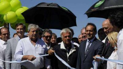 Scioli, De la Sota y Bonfatti se juntan en una foto e inauguran Expoagro