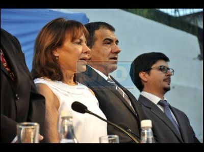 En la inauguración el período de sesiones, la intendenta anunció el llamado a paritarias