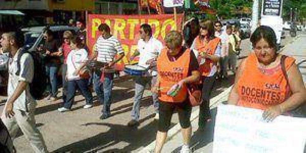 Estatales, docentes y empleados de la salud reclamaron en Formosa por salario