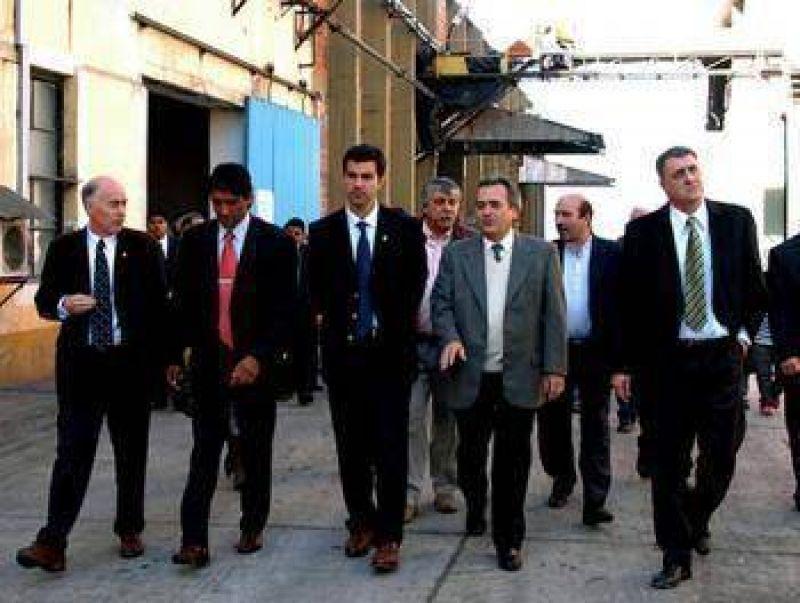 Urtubey asistió al inicio de la Zafra en el Ingenio San Isidro.