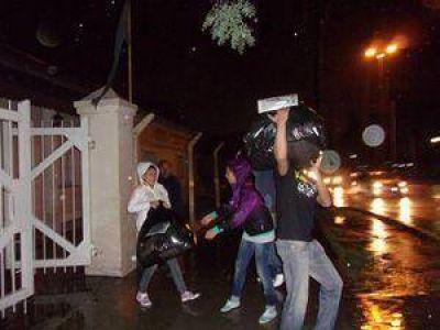 Desfile para ayudar a vallistas inundados