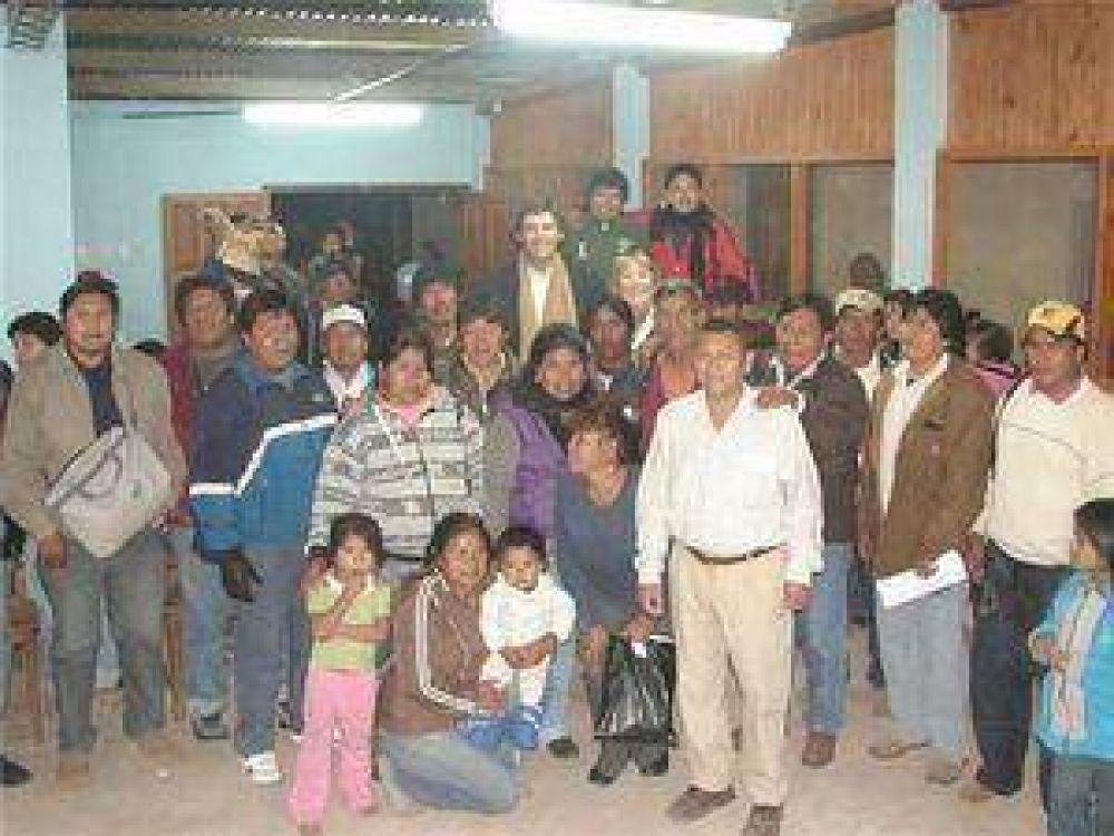 Los pueblos originarios de San Martin y Rivadavia expresan su apoyo a Fernando Yarade.