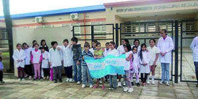Piden la entrega de la EPEP 242: alumnos asisten a clases en lugares insalubres
