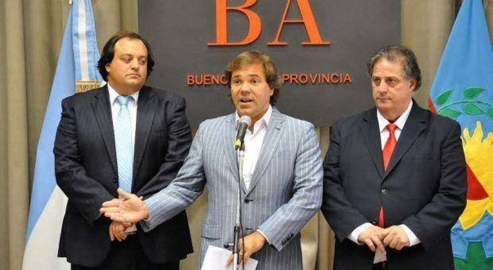 """El Gobierno bonaerense anunció acuerdo salarial con estatales y llamó a la """"reflexión"""" a docentes"""