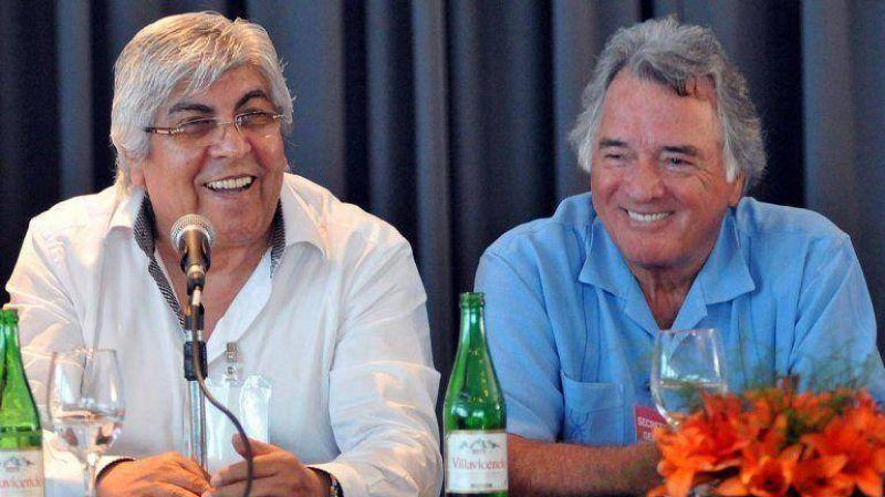 Moyano y Barrionuevo convocaron a un plenario donde se definirá si ambas centrales van a un paro