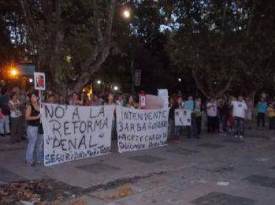 Vecinos y asambleas marcharon contra la reforma del Código Penal