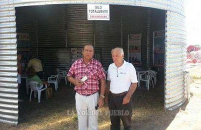El Intendente con empresas locales en Expoagro