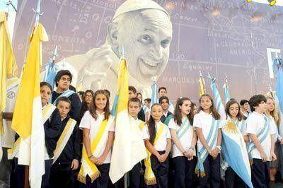 Más de 30 colegios católicos y música en vivo para una fiesta frente al mar
