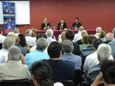 Radicales debatieron en Mar del Plata y criticaron a Scioli