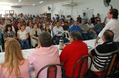 Angel Rozas planteó la renovación, pero el Congreso pidió su continuidad