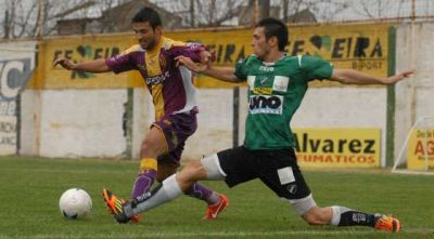 Villa Mitre sigue sin poder ganarle a Tiro: fue 0 a 0 en el Fort�n