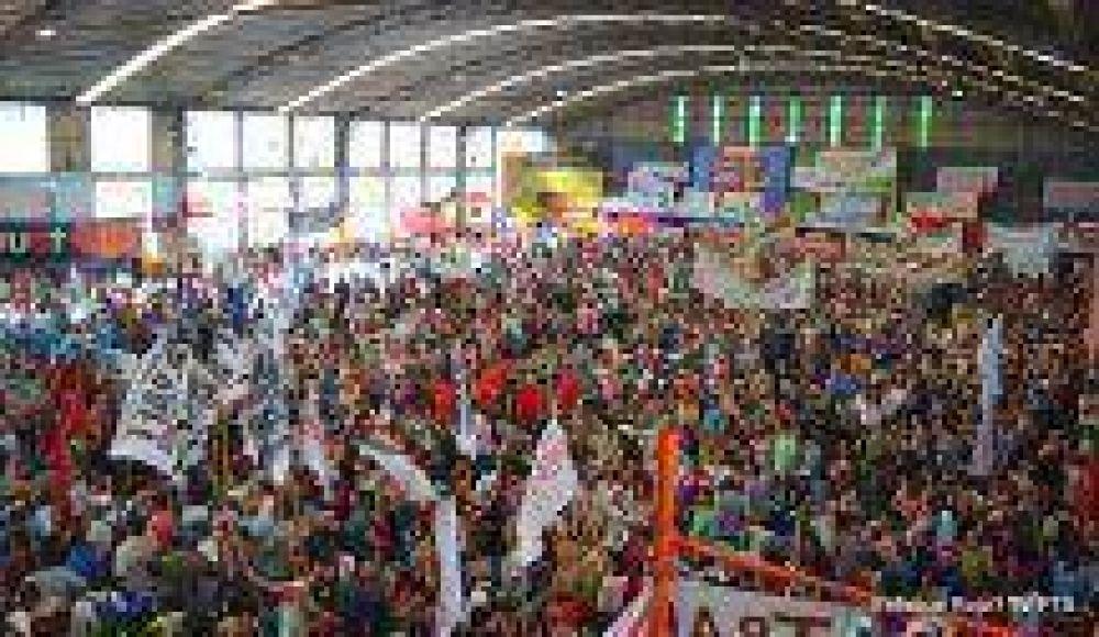 Masivo Encuentro Sindical Combativo exige paro nacional y convoca jornada de cortes y piquetes