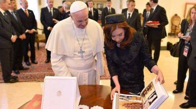 """Cristina, tras la reunión con el Papa: """"Muchos deberían leerlo, no solamente sacarse una foto"""""""
