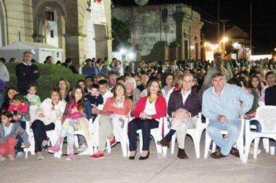 Mucha presencia de vecinos en la décima edición de la Fiesta de la Manzanilla en Madero