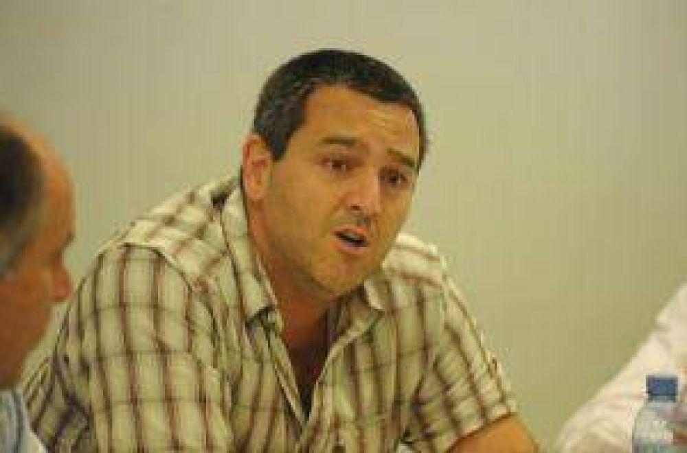 """Colombres Garmendia: """"Parece que Alperovich manejara la provincia a 'prueba y error'"""""""