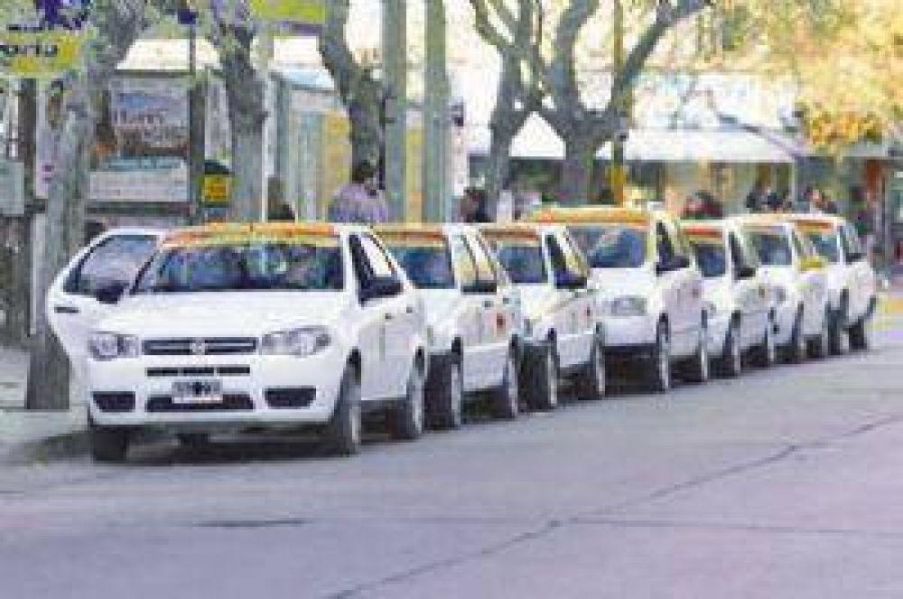 Desde UDAPA, los taxistas piden más controles de la policía