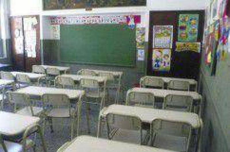 Docentes primarios de Jujuy denuncian haber sido discriminados por el Gobierno de Fellner tras no recibir una oferta salarial